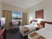 Macleay Serviced Apartments Hotel: guest room