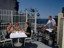 Macleay Serviced Apartments Hotel: balcony/terrace