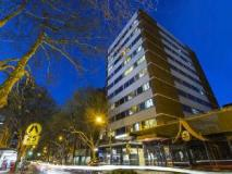 Macleay Serviced Apartments Hotel: exterior