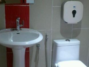 My Home Hotel Premier (Youth) Kuala Lumpur - Bathroom