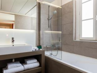 Hotel Monna Lisa Champs Elysees Paris - Bathroom