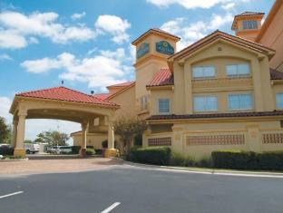 /la-quinta-inn-and-suites-austin-airport/hotel/austin-tx-us.html?asq=jGXBHFvRg5Z51Emf%2fbXG4w%3d%3d