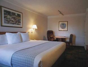 /la-quinta-inn-phoenix-thomas-road/hotel/phoenix-az-us.html?asq=jGXBHFvRg5Z51Emf%2fbXG4w%3d%3d