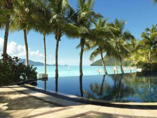 Hamilton Island Beach Club Resort Острови Уитсъндей