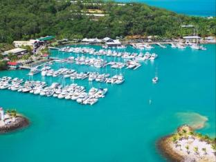 Hamilton Island Beach Club Resort Острови Уитсъндей - Околности