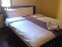 Central Backpackers Hostel: guest room