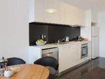 Melbourne Short Stay Apartments MP Deluxe: kitchen