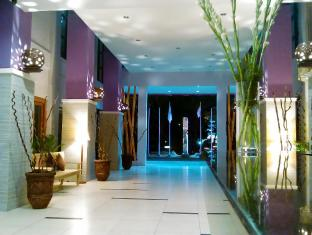 Kuta Central Park Hotel Бали - Вход