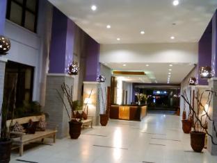 Kuta Central Park Hotel Bali - Entrada