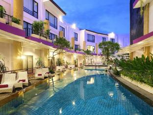Kuta Central Park Hotel Bali - Piscina