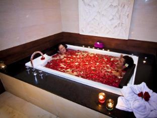 庫塔中央公園酒店 峇里 - 水療浴缸