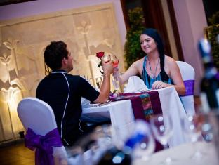Kuta Central Park Hotel Bali - Romantic dinner