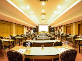 Kuta Central Park Hotel Bali - Sala de reuniones