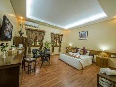 Crown Prince Hotel, Myanmar