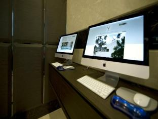 V Hotel Bencoolen Singapore - Internet Corner