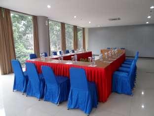 Azza Hotel Palembang Palembang - Ruang Rapat