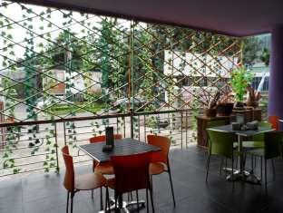 Azza Hotel Palembang Palembang - Kafe