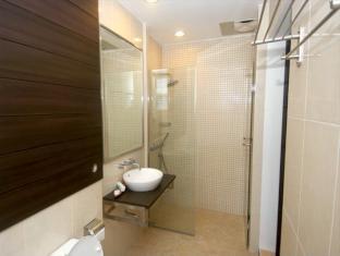 Batu Suki Resort Malang - Bathroom