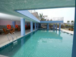 Batu Suki Resort Malang - Swimming Pool