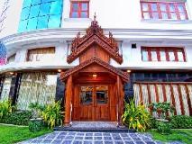 Shwe Ingyinn Hotel Mandalay: entrance