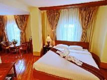 Shwe Ingyinn Hotel Mandalay: guest room