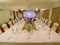 Shwe Ingyinn Hotel Mandalay: meeting room
