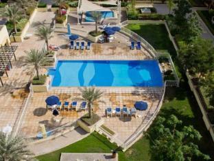 Skai Residency Dubai - Zwembad