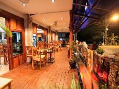 Lert Prasert House | Thailand Cheap Hotels