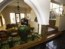 Raza Gyo Hotel: lobby