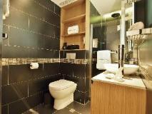 Hotel Pennington by Rhombus: bathroom