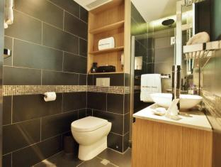 Hotel Pennington by Rhombus Hong Kong - Bathroom