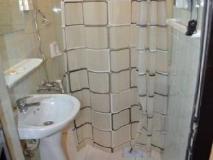Kinshasa Hotel: bathroom