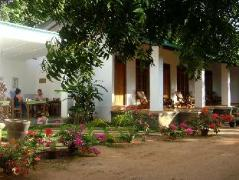 Le Grand Meaulnes - Family Hotel | Sri Lanka Budget Hotels