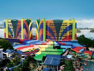 Resorts World Genting - First World Hotel Genting Highlands - Hotel Facade