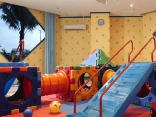 Ambassador Row Hotel Suites by Lanson Place Kuala Lumpur - Playground