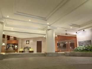 Ambassador Row Hotel Suites by Lanson Place Kuala Lumpur - Driveway