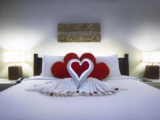 Corus Hotel Kuala Lumpur - Paradise Cabana Honeymoon