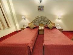 Maharani Plaza Hotel   India Hotel