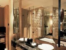 Taj Lands End: bathroom