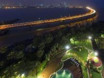 Taj Lands End: exterior