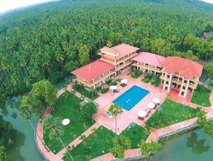/isola-di-cocco/hotel/kovalam-poovar-in.html?asq=jGXBHFvRg5Z51Emf%2fbXG4w%3d%3d