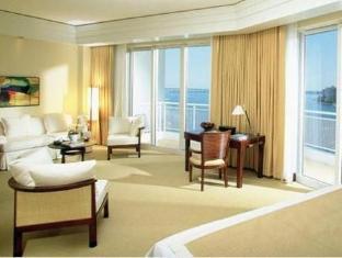 /mandarin-oriental-miami/hotel/miami-fl-us.html?asq=jGXBHFvRg5Z51Emf%2fbXG4w%3d%3d