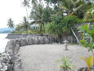 Crystal Beach Bali Hotel Bali - White Sand