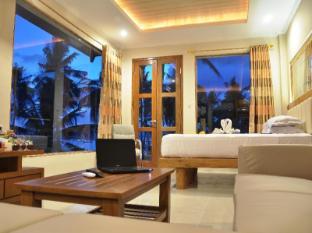 峇厘水晶海灘飯店