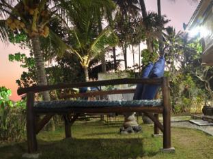 Crystal Beach Bali Hotel Bali - Garden with Wi-Fi Area
