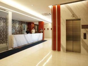 D Boutique Hotel Kuala Lumpur - Reception   Lift