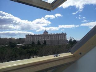 /th-th/woo-travelling-plaza-de-oriente-homtel/hotel/madrid-es.html?asq=jGXBHFvRg5Z51Emf%2fbXG4w%3d%3d