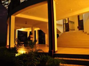 Hilltop Boutique Villa