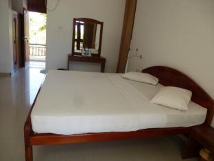 /it-it/high-park-hotel/hotel/trincomalee-lk.html?asq=vrkGgIUsL%2bbahMd1T3QaFc8vtOD6pz9C2Mlrix6aGww%3d