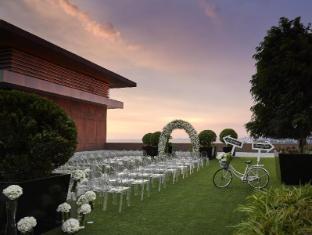 Solaire Resort & Casino Manila - Garden